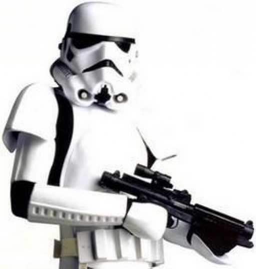 Un Stormtrooper et son Fusil Blaster E-11.