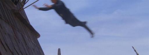 Luke effectuant un saut de Force pour rejoindre la barge de Jabba