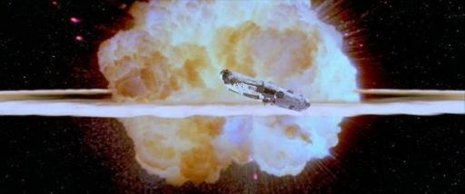 Le Faucon Millenium échappe à la destruction de l'Etoile Noire II