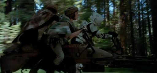 Leia et Luke affrontent un Scout trooper