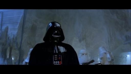 Vader, entouré de Snowtroopers, pénètre dans le Hangar Nord