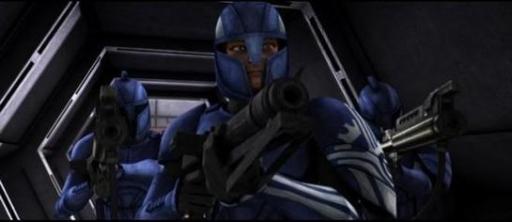 Le Capitaine Argyus entouré par deux Commandos du Sénat.