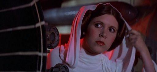 La Princesse Leia se défend pendant l'abordage de son vaisseau