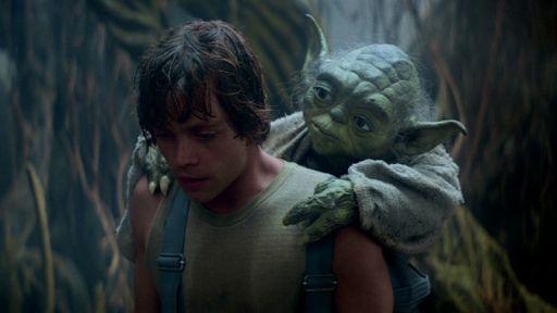 Luke s'entraine aux côtés du puissant Maître Yoda
